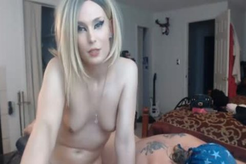sleazy blond sheboy Giving Back Massage